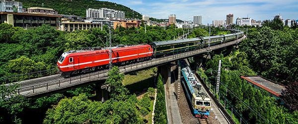 """宝成铁路客车停运风波背后:北段焦虑 南段""""富裕"""""""