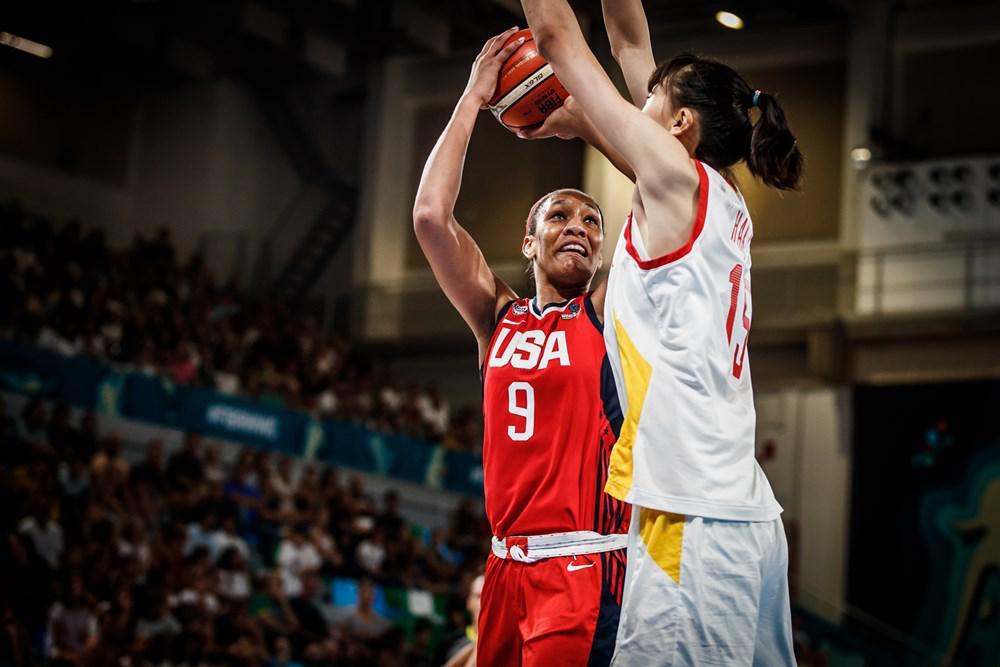 女篮世界杯:中国12分小负美国 韩旭20+5邵婷10+3