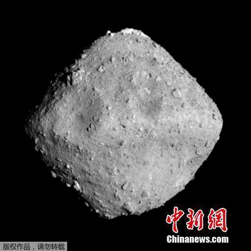 """日本两辆漫游车成功着陆小行星""""龙宫""""并展开探查"""