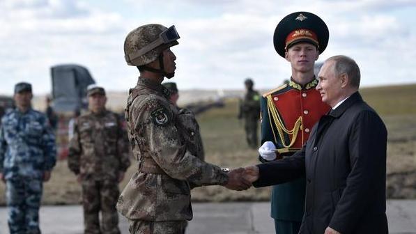 """美國制裁中國軍方意欲何為?""""本意""""是針對俄羅斯"""