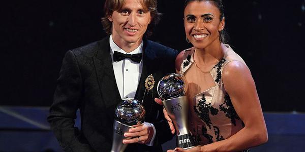 FIFA颁奖典礼:莫德里奇当选世界足球先生