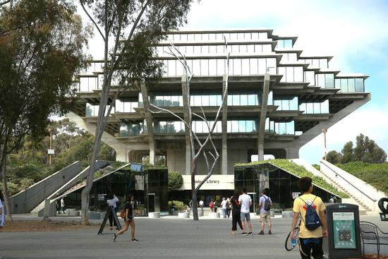 UCSD学校图书馆