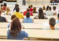 法国教授反对大学生带电脑上课:无法集中注意力