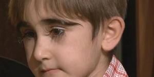 逆天!11岁男孩睫毛长达4.3厘米