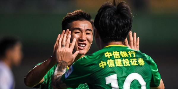 韦世豪梅开二度 国安3-0富力晋级决赛