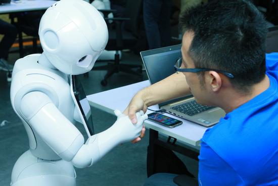软银机器人举办Hackathon 开发者探索机器人的各种可能