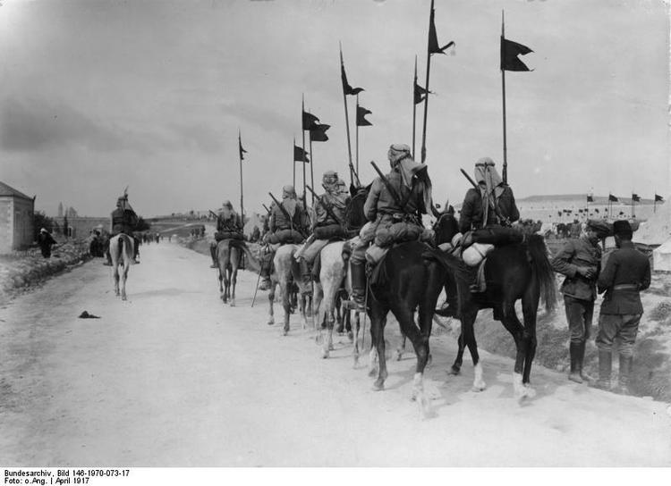 耶路撒冷的奥斯曼军骑兵部队,摄于1917年