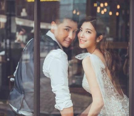 陈展鹏否认与单文柔同居试婚. 称只是报同一