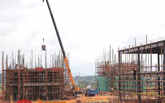 复合不锈钢管项目基建施工场面