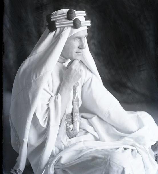 劳伦斯,摄于1917年