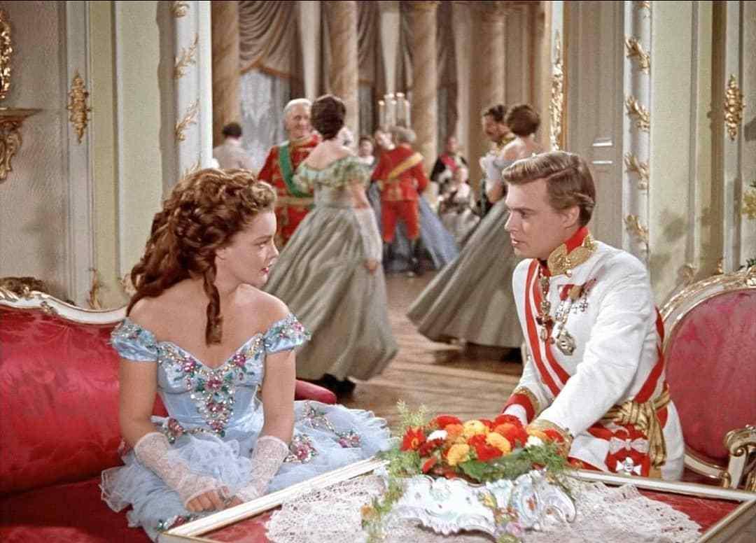 银幕回眸|茜茜公主身后的奥地利贵族如何走向衰亡?