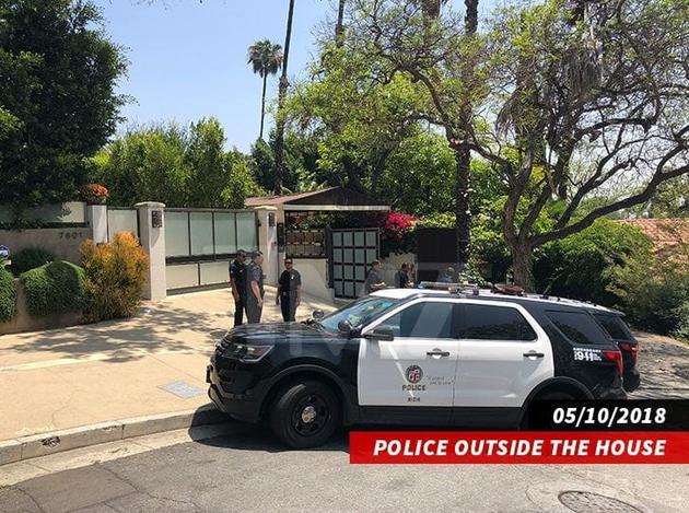 蕾哈娜好莱坞豪宅再遭入室行窃. 三嫌疑人开车逃窜