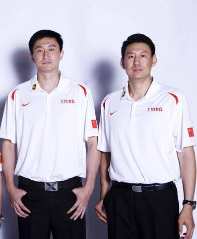 2012年伦敦奥运会,担任助教的杜锋和李楠,那时候还是一头乌发