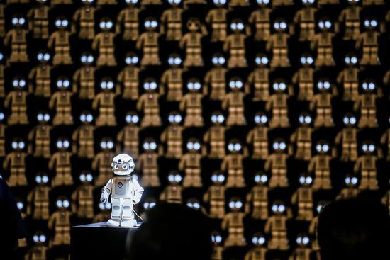 """优必选发布便携机器人""""悟空""""和ROSA机器人系统"""