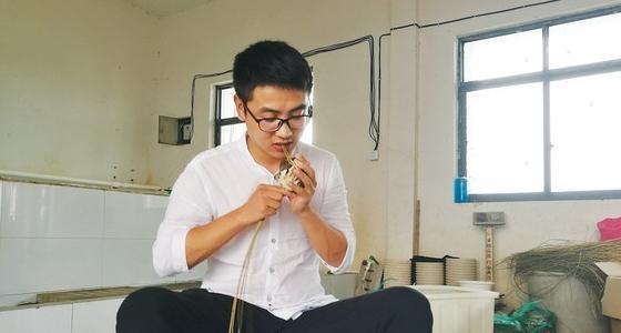 研究生回乡卖螃蟹 1年网售近2百万