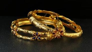 如何在秋季保养黄金首饰呢?注意这三点