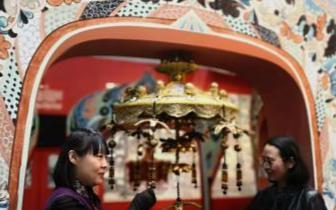 台湾设计师13次朝圣敦煌复原壁画千年华盖