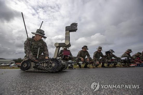 韩国成立无人机战斗团 士兵训练画面曝光