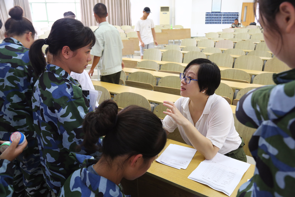 首个中国痤疮周  江西省皮肤病专科医院健康促进在行动