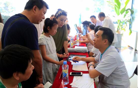 中国梦·脊梁工程 南昌大学二附院开展脊柱畸形义诊