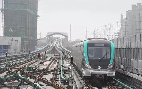 青岛地铁1号线土建工程过半 过海隧道即将贯通