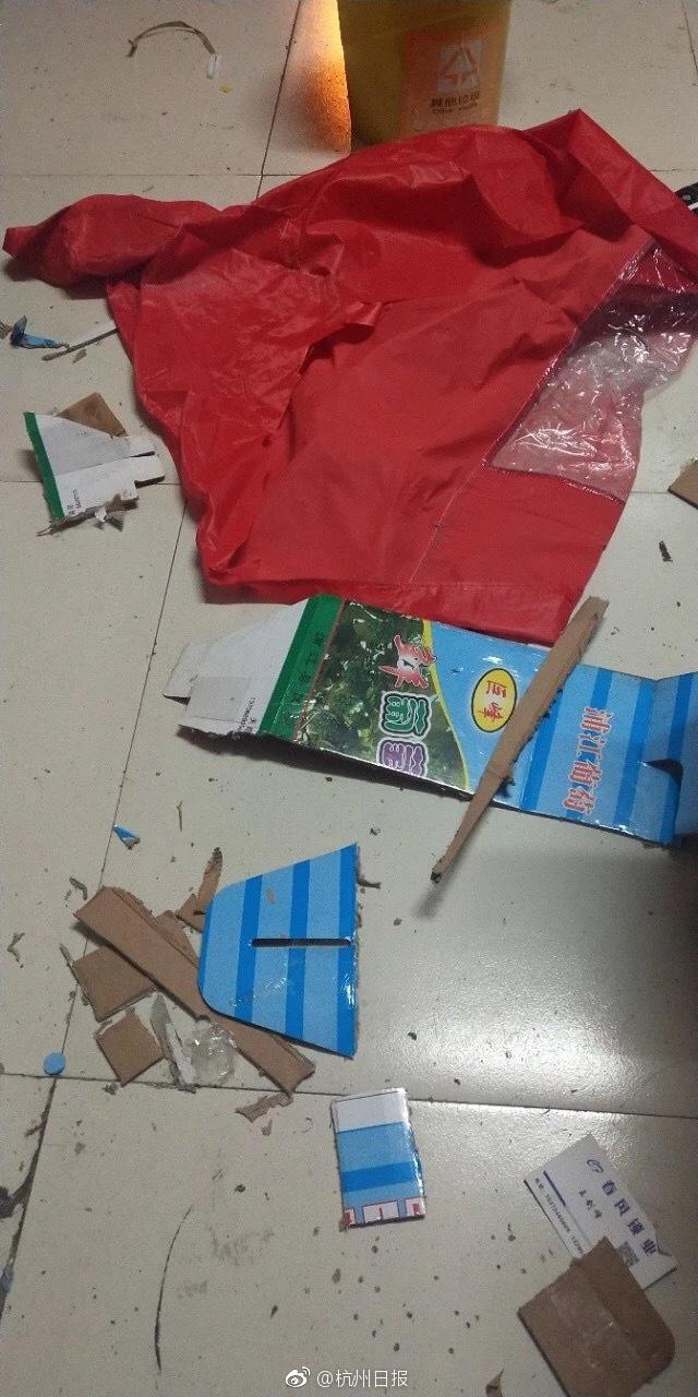 崩溃!幼儿园老师布置的作业 2个大人做到凌晨1点