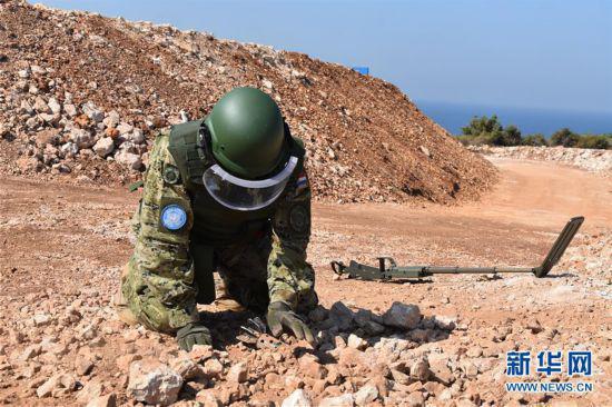 记中外赴黎维和部队开展扫雷排爆联合训练