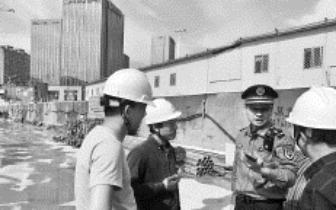 晋安城管拆除一酒店违建 面积180平方米