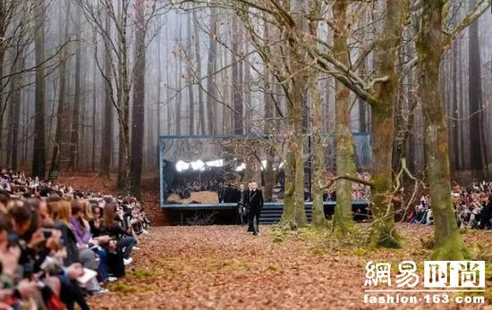 CHANEL度假村营业中,陈柏霖、林允邀你一起来!
