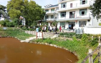 上饶一2岁男童水塘中溺水身亡 事发时母亲在打牌