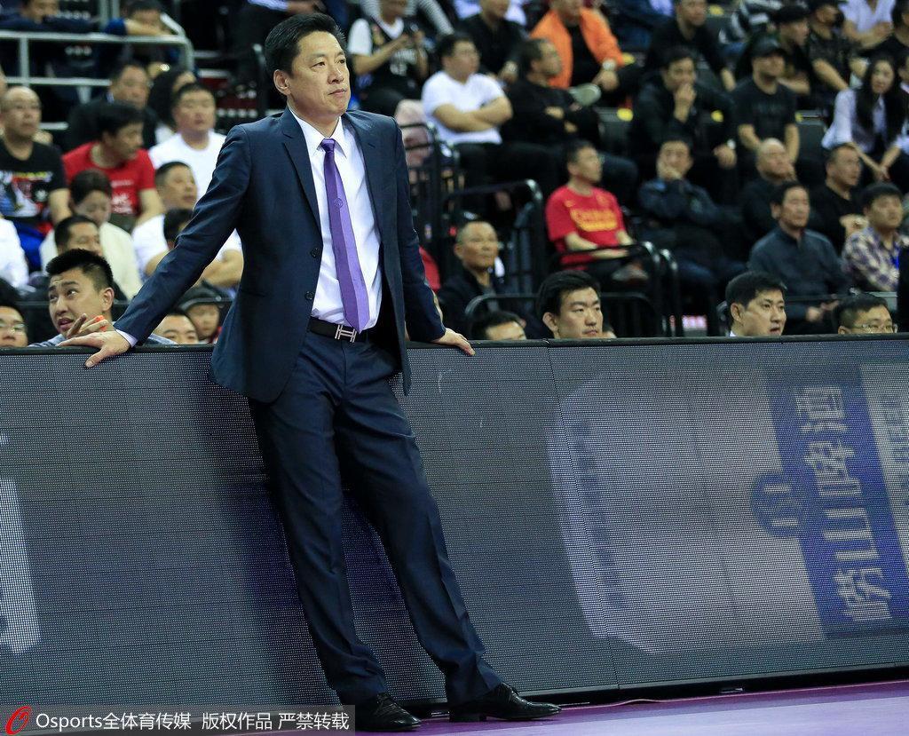 李春江谈季前赛三连胜 高兴但要准备下一场热身赛