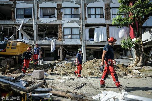 印尼地震海啸已致1558死 酒店废墟现疑似生命迹象