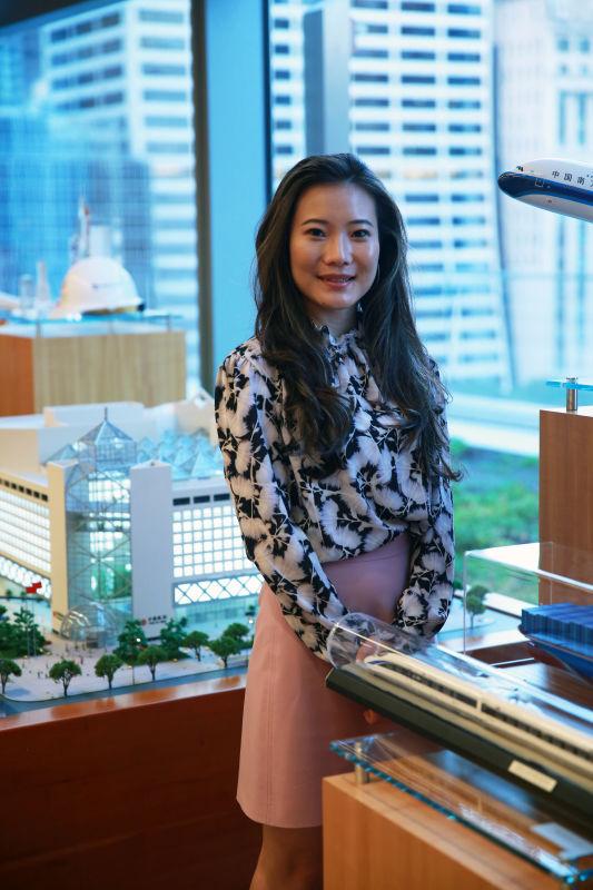 王霏在中国银行纽约分行办公室内