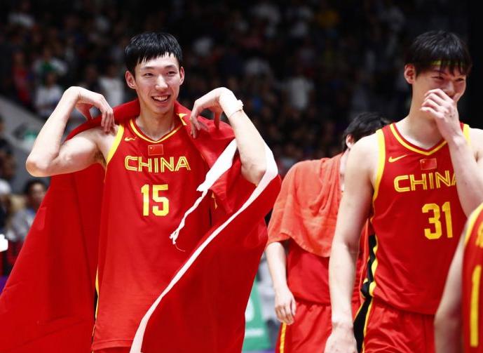 周琦:爱国体现在坚守岗位 在NBA展示中国球员能力