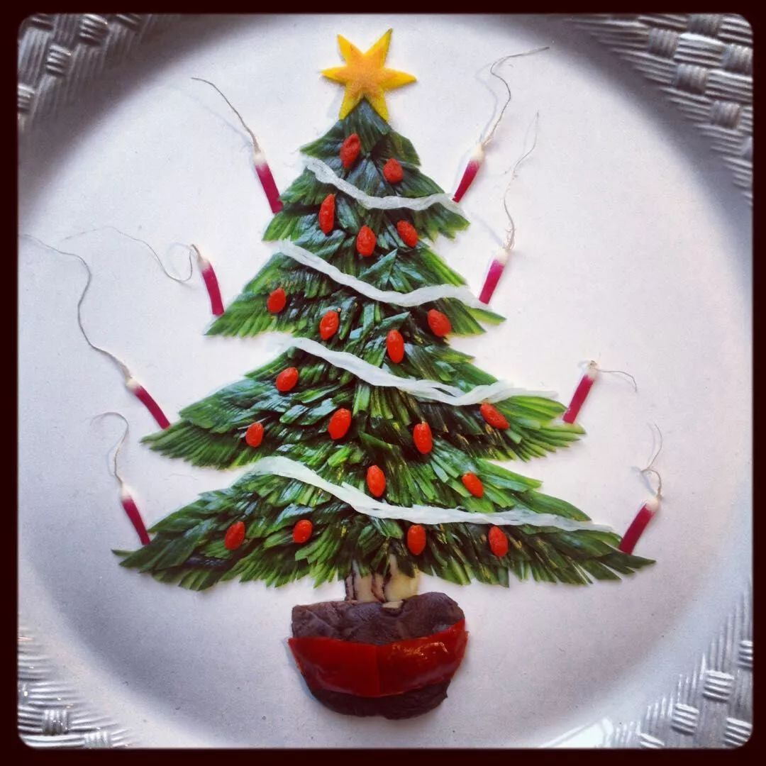 扶霞用中国刀工雕刻的圣诞树