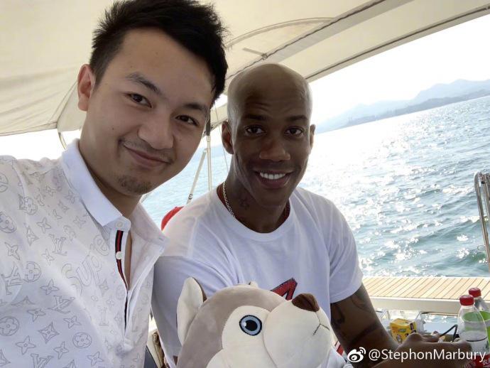 老马晒游玩照片感谢中国 社交媒体头像引人注目