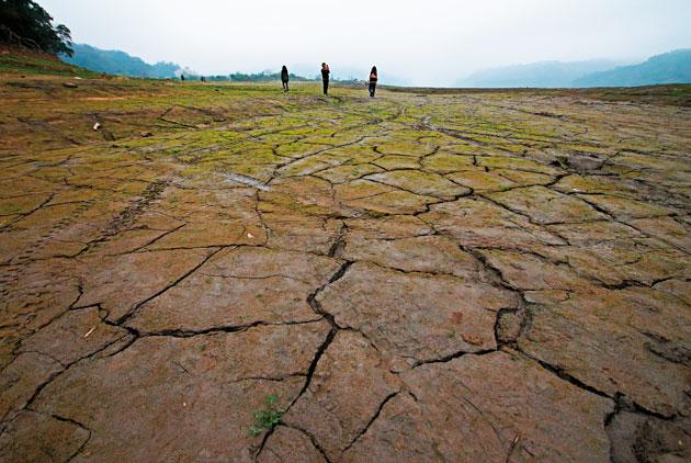 升温相差 0.  5摄氏度. 中国灾害损失差千亿元