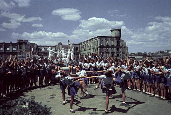 荧幕回眸|兵临城下:德军从督战队手中救出苏军逃兵