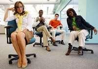 双语阅读:女性在开放办公室更注重着装打扮