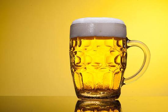 双语阅读:人类喝啤酒的历史有多久?