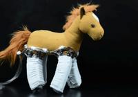 """穿上这款""""机器人皮肤"""",毛绒玩具都能自己走了"""
