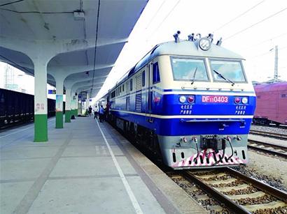 青连铁路轨通 年底通车从青岛到上海只需4小时