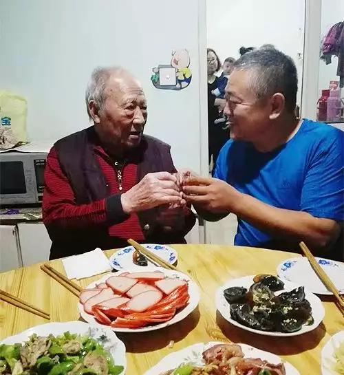 一篇网文让唐山市民找到了失散60多年的大伯