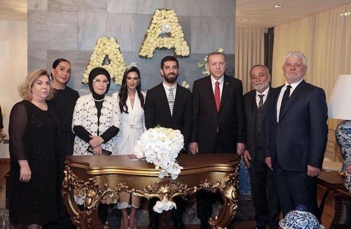 图兰今年初结婚时,土耳其总统到场祝贺