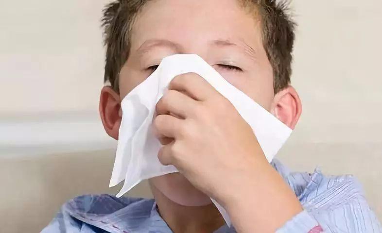 秋季过敏性鼻炎高发 莫把鼻炎当感冒