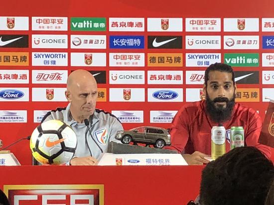 印度主帅:我国足协对我充分放权 中国队未来可期