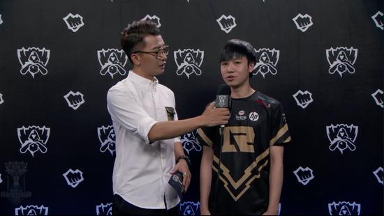 RNG上单Letme接受赛后采访