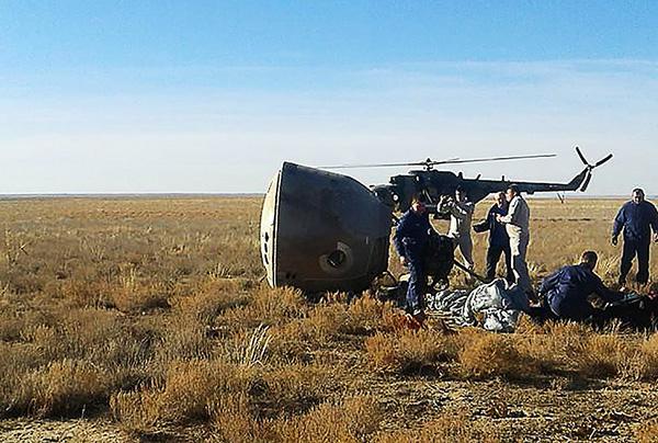 """俄航天局局長:飛船救援系統表現出了""""非凡的可靠性"""""""