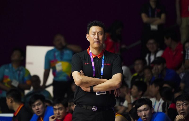 FIBA专访李楠:将率男篮赴欧洲热身 要学小球战术