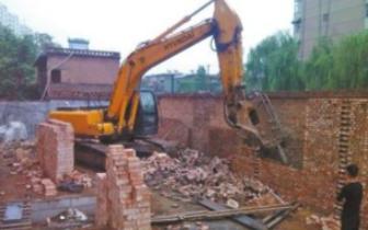 我市一天依法拆除55家违建物1660平方米